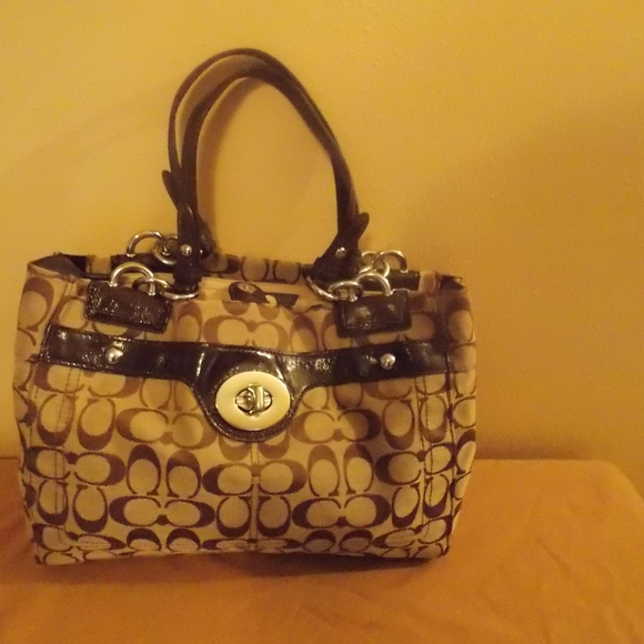 bdf3320162 Coach Handbags - Coach Signature Penelope Carryall Bag